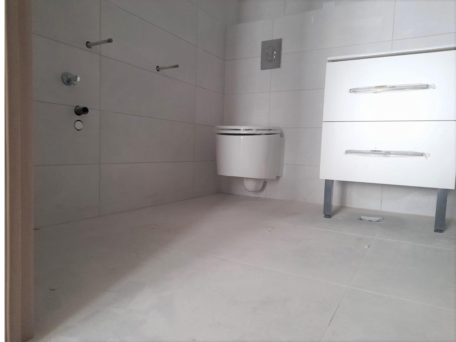 baie, vas de toaleta